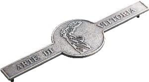 Targhetta in ottone misura 125x50 mm finitura argentata con 2 perni filettati nel retro  Engravings